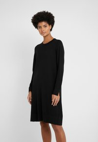 Repeat - CREW NECK DRESS - Strikkjoler - black - 0