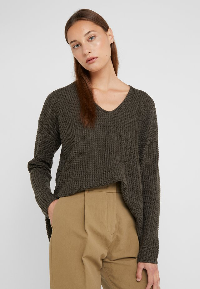 LOOSE NECK - Jumper - leaves
