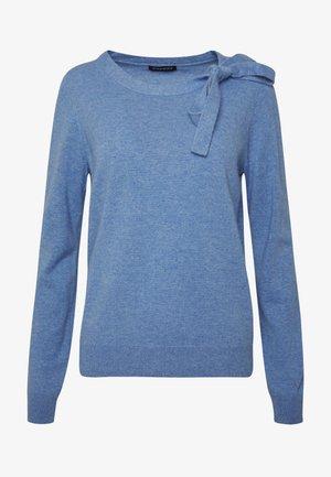 Stickad tröja - med blue