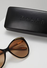 RALPH Ralph Lauren - Sunglasses - brown gradient - 2