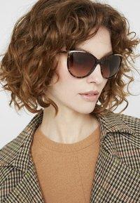 RALPH Ralph Lauren - Sonnenbrille - brown murble - 1