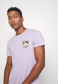 Redefined Rebel - CONNER TEE - Print T-shirt - pastel lilac - 3