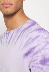 Redefined Rebel - RRCARSON TEE - Print T-shirt - pastel lilac - 3