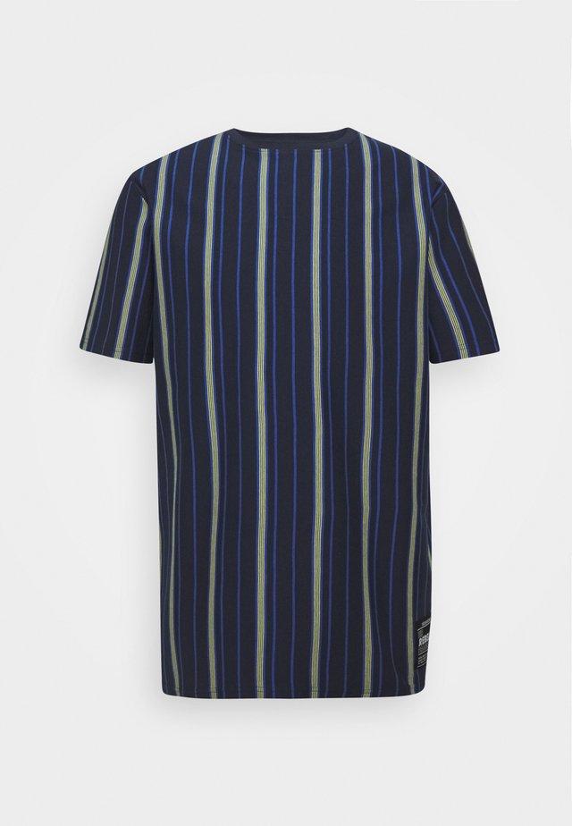 TEE - T-shirt med print - turkish sea