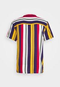 Redefined Rebel - LUKE SHIRT - Shirt - tango red - 1