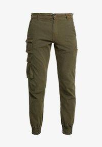 Redefined Rebel - KASPER PANTS - Pantaloni cargo - dark olive - 4