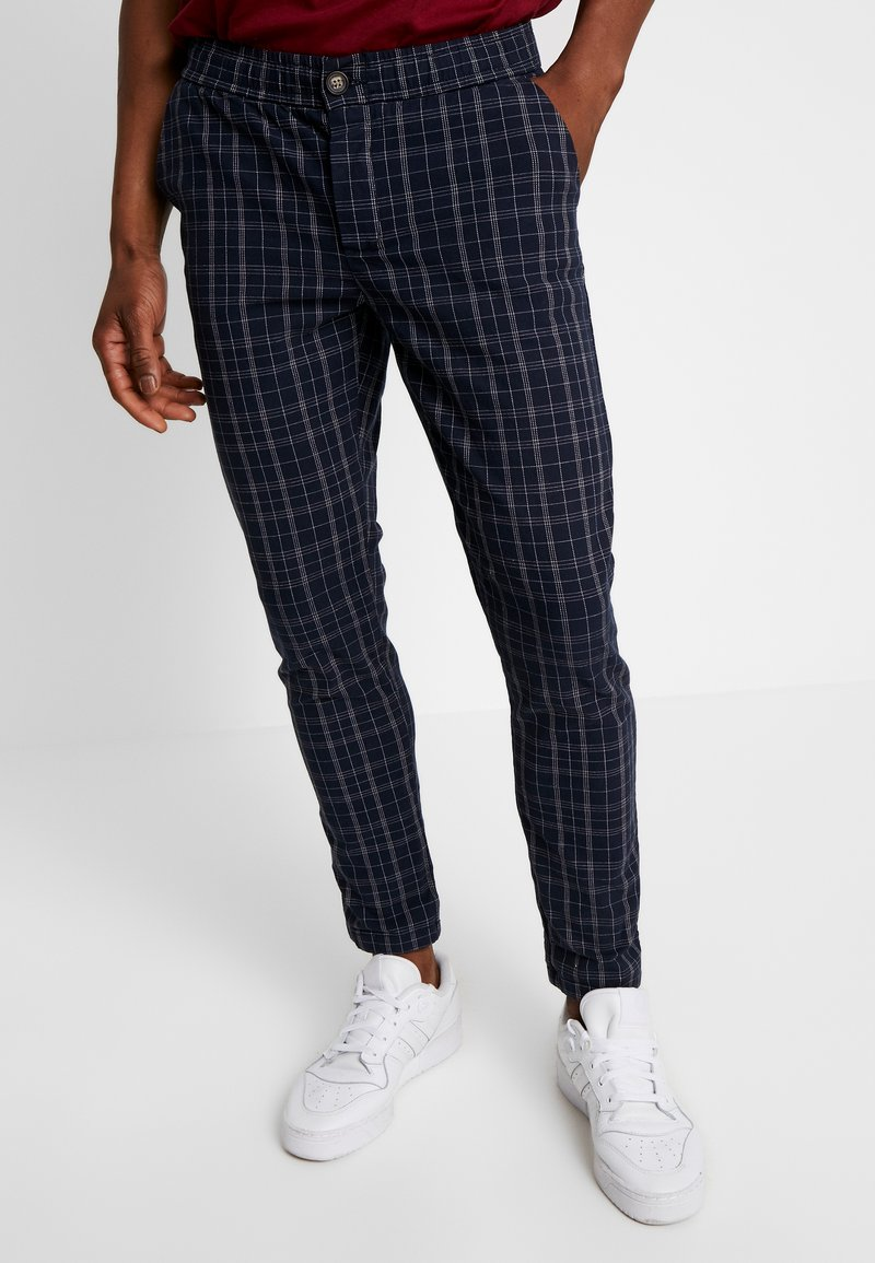 Redefined Rebel - KING PANTS - Trousers - dark navy
