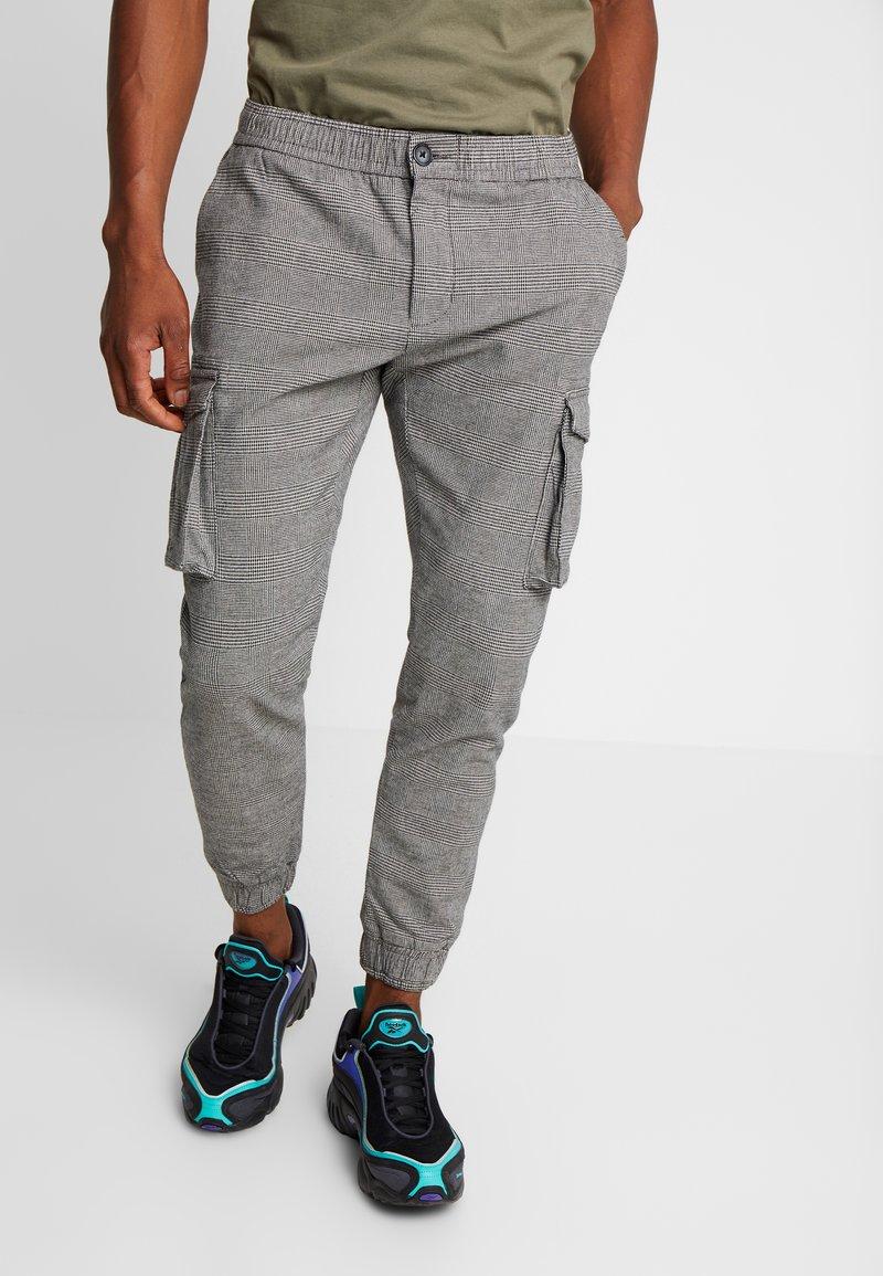 Redefined Rebel - ABEL PANTS - Pantaloni cargo - grey