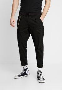 Redefined Rebel - LEE CROPPED PANTS - Broek - black - 0