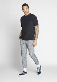 Redefined Rebel - KUDO PANTS - Trousers - vintage - 1