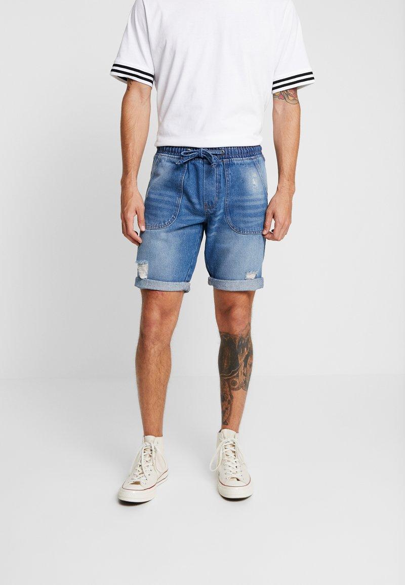 Redefined Rebel - COLOGNE DESTROY - Jeans Shorts - light indigo