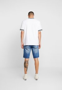 Redefined Rebel - COLOGNE DESTROY - Jeans Shorts - light indigo - 2