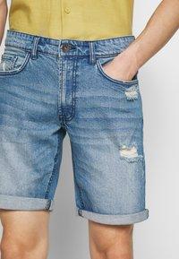 Redefined Rebel - DESTROY  - Denim shorts - soft blue - 4