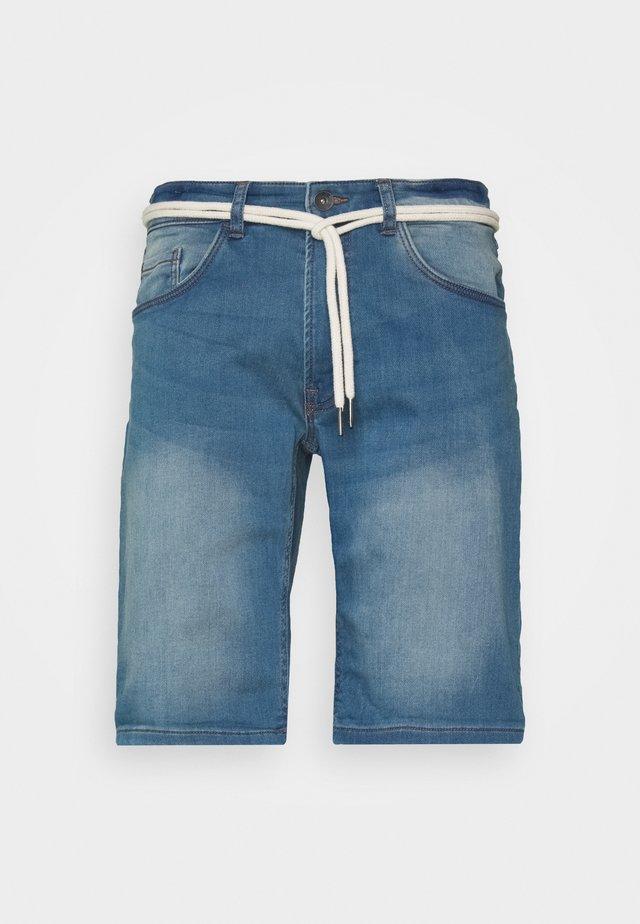 SYDNEY TERRY  - Jeansshorts - skyway blue
