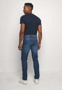 Redefined Rebel - RRNEW YORK - Jean slim - mid blue - 2