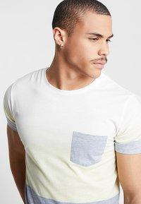 Redefined Rebel - DEXTER - T-shirt print - solar power - 4