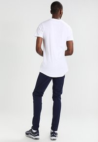 Redefined Rebel - JAX - Camiseta básica - white - 2
