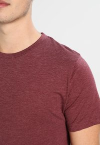 Redefined Rebel - JAX - T-shirt basic - bordeaux - 3