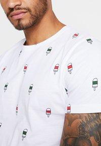 Redefined Rebel - SCOTT TEE - T-shirt print - white icecream - 4