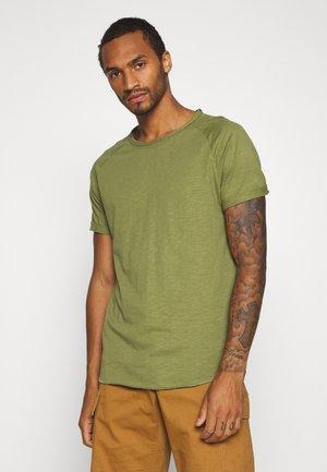 KAS TEE - T-shirt basic - loden green