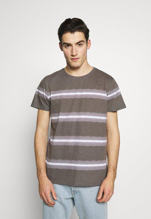 THOMAS TEE - Print T-shirt - black
