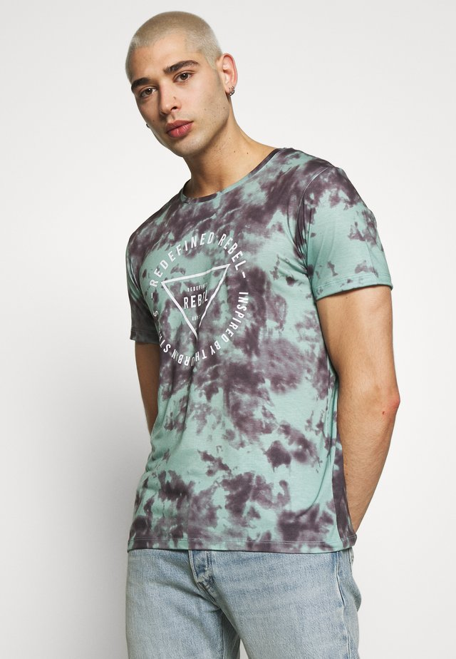 UNISEX TOMMY TEE - Print T-shirt - granite green