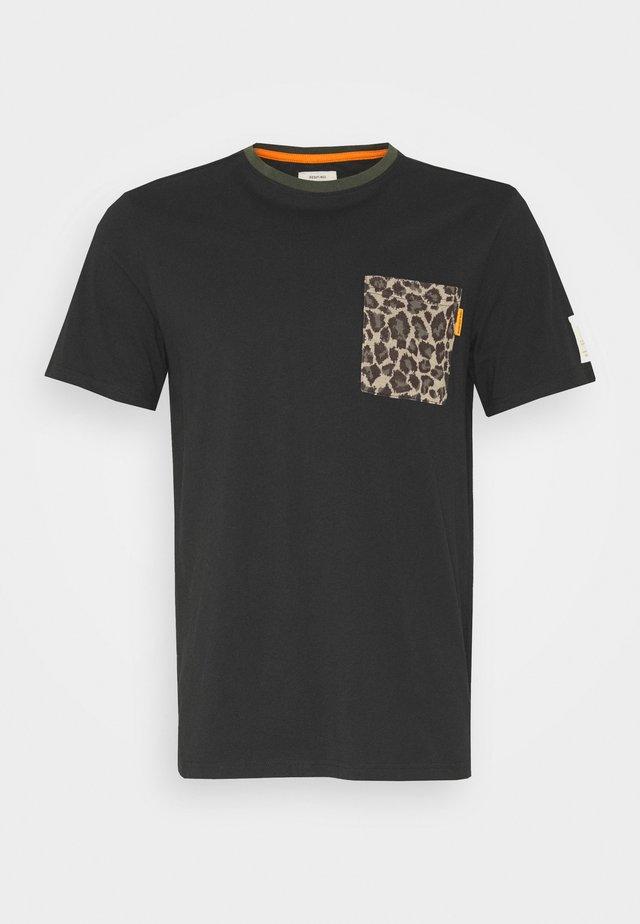 PALMER TEE - T-shirt med print - black