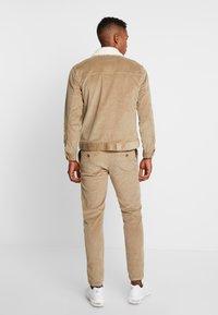Redefined Rebel - RRYORK JACKET - Summer jacket - dark sand - 2