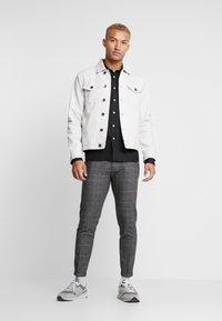 Redefined Rebel - RRASGER JACKET - Denim jacket - stone - 1