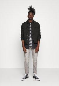 Redefined Rebel - RRASGER JACKET - Denim jacket - black - 1