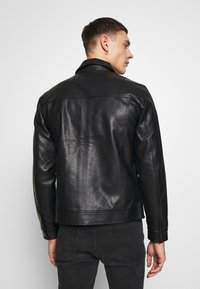 Redefined Rebel - STEFAN JACKET - Jacka i konstläder - black - 2