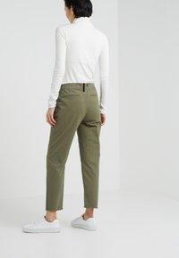 rag & bone - BOUCKLEY  - Spodnie materiałowe - olive - 2