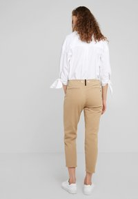 rag & bone - BUCKLEY - Chinosy - sand - 2