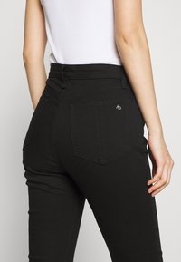 rag & bone - NINA HIGH RISE ANKLE CROP - Jeans Skinny Fit - black - 6