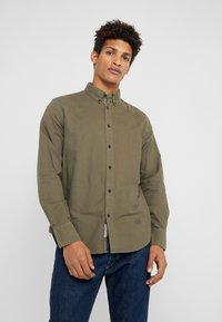 rag & bone - TOMLIN OXFORD - Koszula - olive night - 0