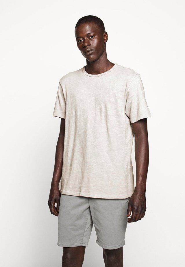 CLASSIC TEE - Basic T-shirt - fog