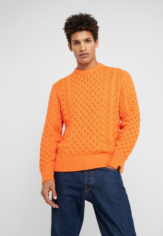 ARAN CREW - Strickpullover - orange