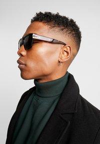 rag & bone - Sluneční brýle - black - 1