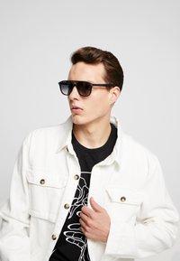 rag & bone - Okulary przeciwsłoneczne - black - 1
