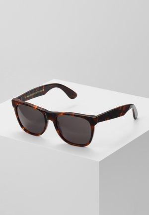 CLASSIC - Solglasögon - havana