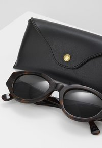 RETROSUPERFUTURE - DREW - Sunglasses - classic havana - 4