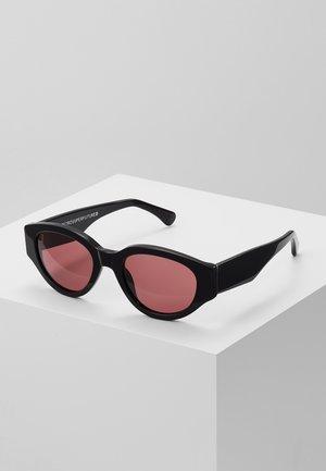 DREW - Sunglasses - melanzana