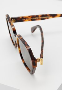 RETROSUPERFUTURE - LIMONE - Sonnenbrille - cheetah - 5