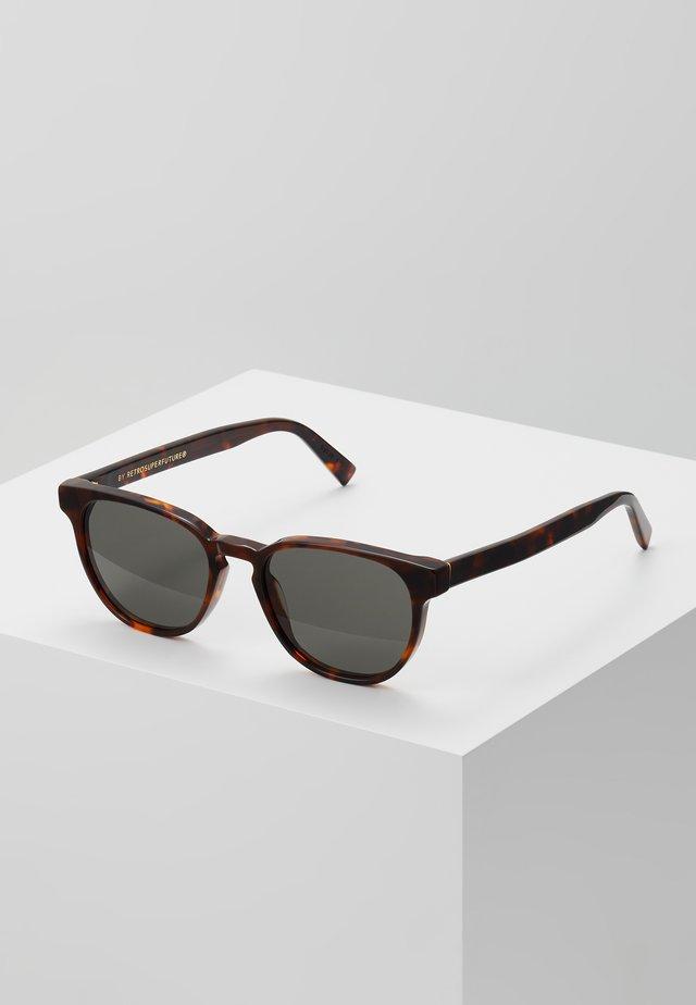 VERO CLASSIC - Okulary przeciwsłoneczne - havana