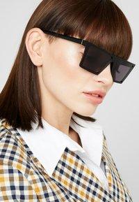 RETROSUPERFUTURE - Gafas de sol - black - 3