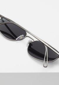 RETROSUPERFUTURE - TEMA - Sluneční brýle - black - 5