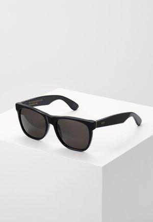CLASSIC BLACK - Zonnebril - black