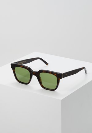 GIUSTO FIRMA - Sunglasses - green