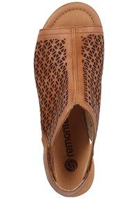 Remonte - Sandalen met enkelbandjes - muskat - 1