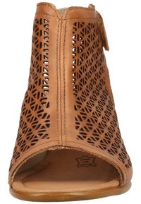 Remonte - Sandalen met enkelbandjes - muskat - 5